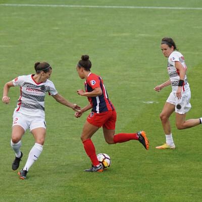 Apoio ao futebol feminino