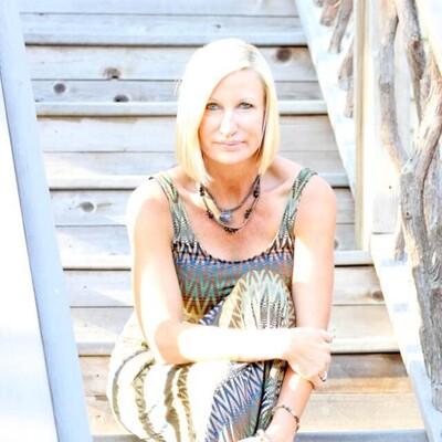Jennifer M. Shaffer   Spiritual Intuitive   Psychic Medium Investigator Expert