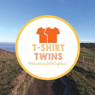 T-shirt Twins - John and Lauren's podcast