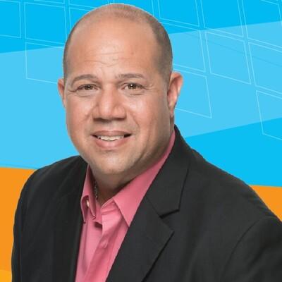 Informando con Stephen Alvarez