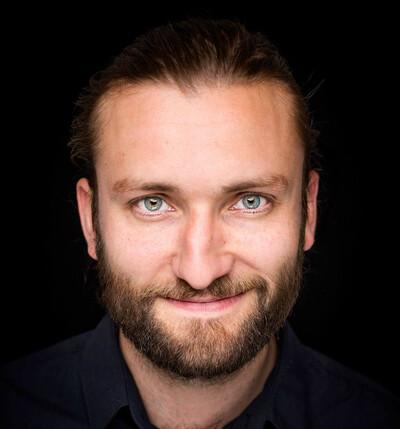 Birger Emanuelsen - Birger Emanuelsen: Forfatter