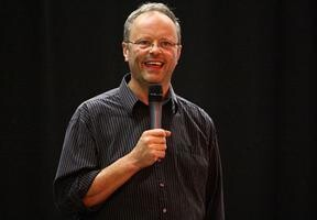 Robert Llewellyn's posts
