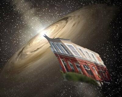 Event Horizon Crescent
